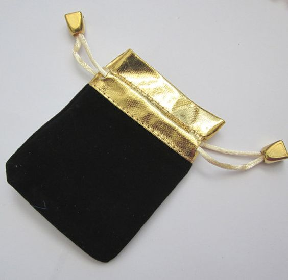 Jewelry Pouches to store Jewelry