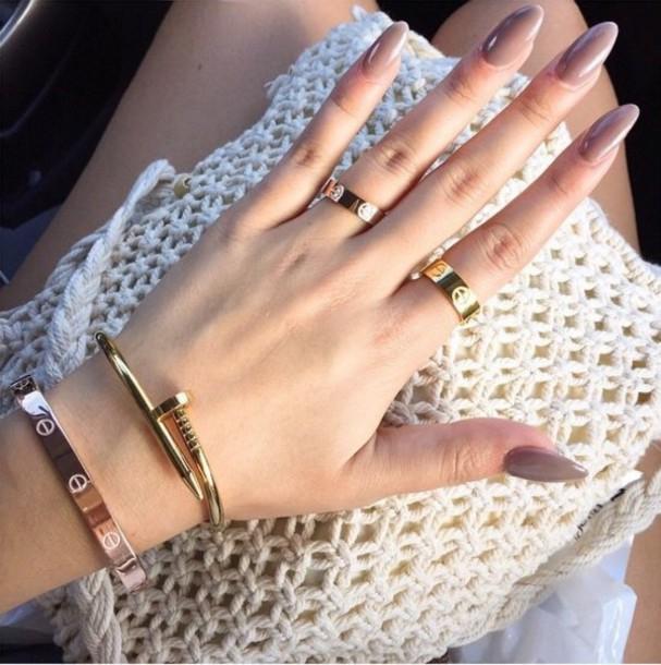 Gold rose and gold bracelet