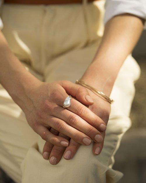 pearl ring 1