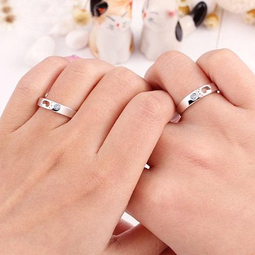 promise rings fingers