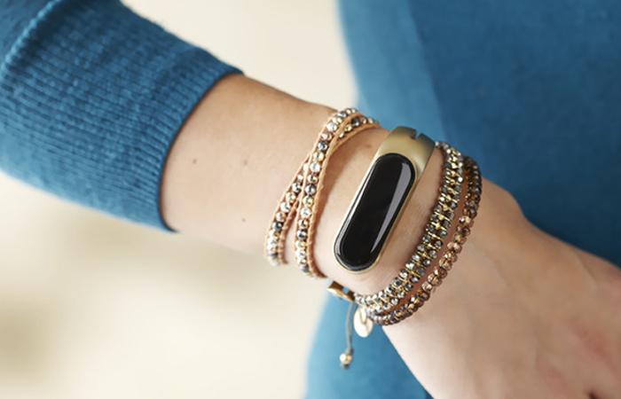 smart jewelry pieces