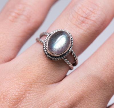 Labradorite Ring - Lynx Light