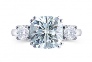 Platinum Plated Silver 4ct Center 9X9mm Cushion Cut Blue Tinted Moissanite 3 Stone Engagement Rings Wedding Band Solitare with 4mm Round Brilliant Moissanite Accents for Women 1.5mm Band Width