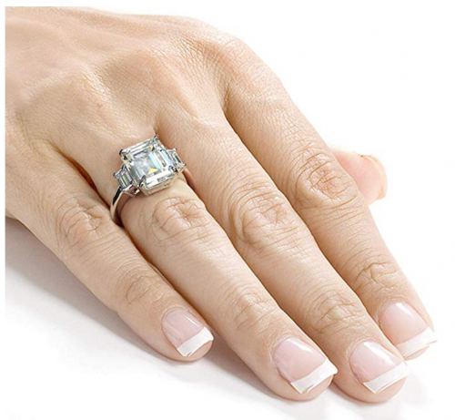 Kobelli Three Stone Emerald Ring