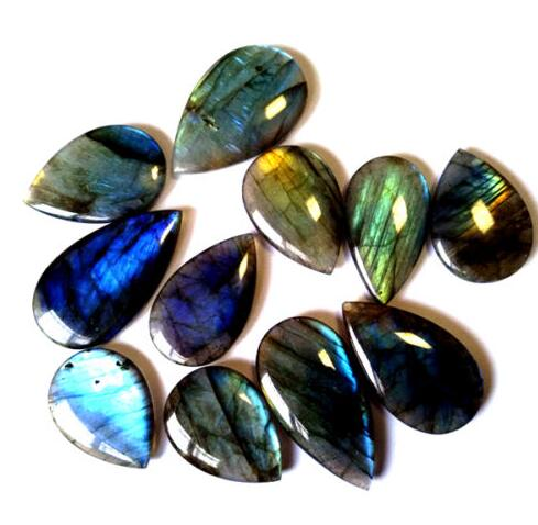 Crystals for protection: Labradorite stones