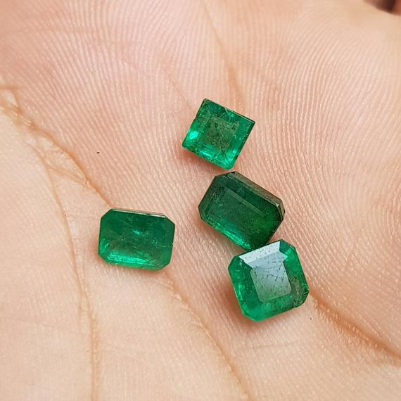 Diamond alternatives: Emerald stones