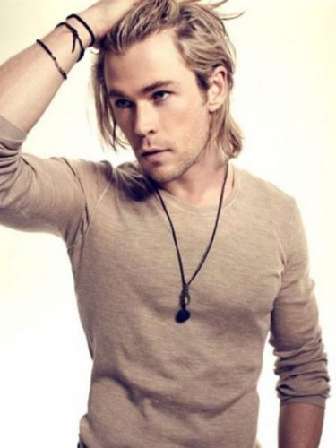Chris Hemsworth wearing leather necklace