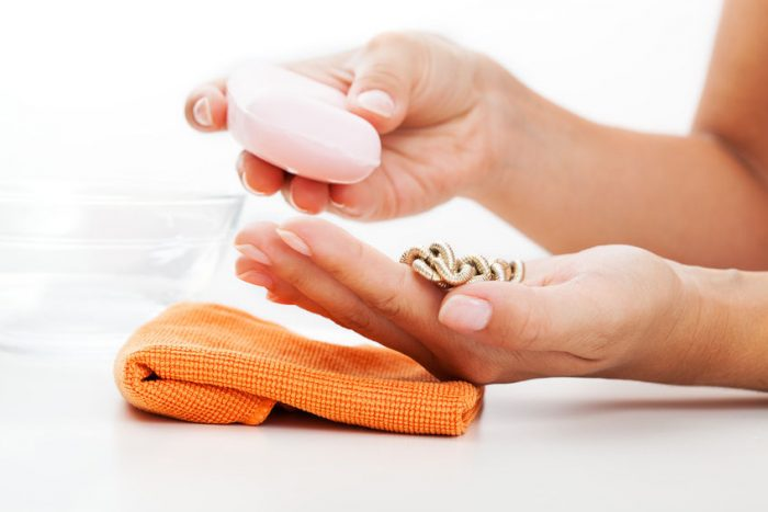 cleaning pearls at home