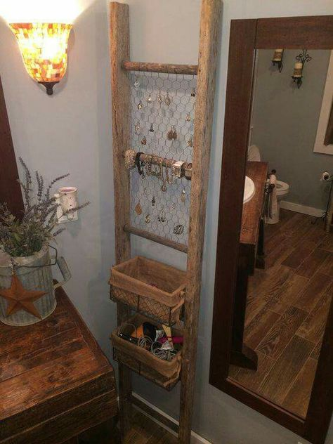 ladder jewelry display