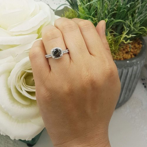 Dazzling Rock Collection Ring on a hand