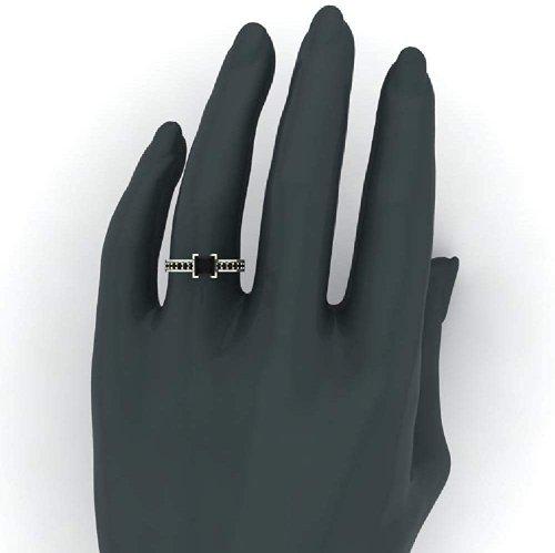 Glitz Design ring on hand