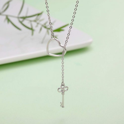 Lariat Necklace Model