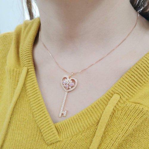 SKA Jewelry Key Necklace Model