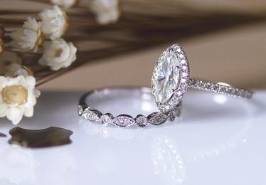 Best Moissanite Engagement Rings Selection