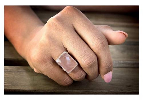 Anemone Elegant Rose Quartz Ring on Hand