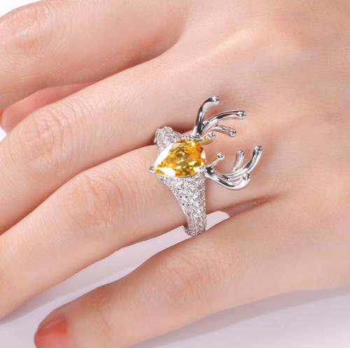 "Jeulia ""Christmas Reindeer"" Pear-Cut Ring on Hand"