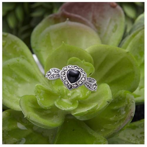 Chuvora Marcasite Black Onyx Heart Leaf Ring Detail