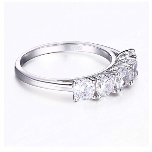 Mozume Five Stone Round Cut Ring Side View