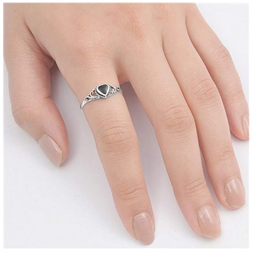 Sac Silver Onyx Heart Ring on Finger