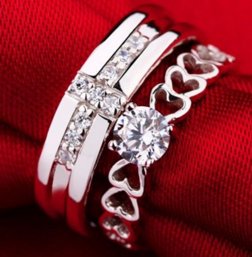 Jeulia Sterling Silver Couple Rings Display