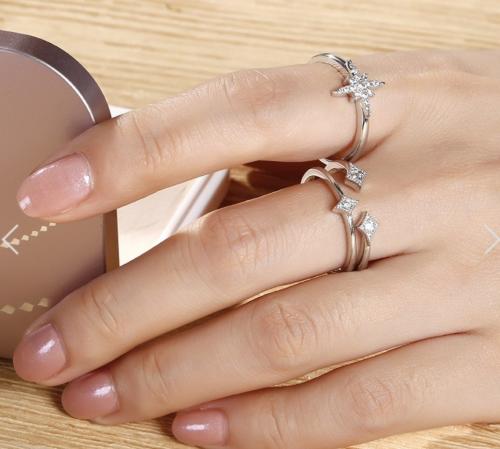 Jeulia Rhombus Open Ring on Hand