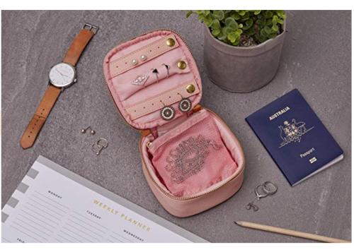 SOUL SISTA Travel Jewelry Organizer Case Display