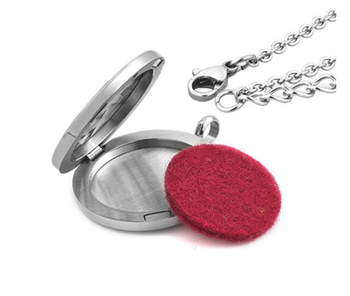 Third Time Charm Star Essential Oil Necklace Detail