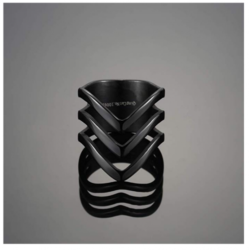 QingFox Bohemian Knuckle RIng on Display
