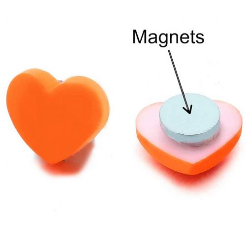 COOLSTEELANDBEYOND Magnetic Heart Earring