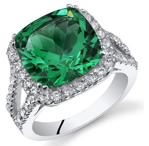 Peora 6.50 Carats Simulated Emerald Ring