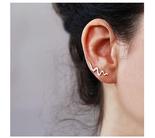 Sigalita Sterling Silver Hammered Ear Crawler