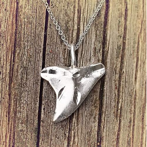 EVE'S ADDICTION Sterling Silver Sharks Tooth Design