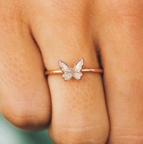 Pura Vida Butterfly In Flight Ring
