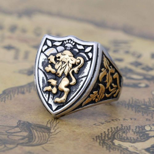 Zovivi Silver Gothic Lion Shield Ring Side
