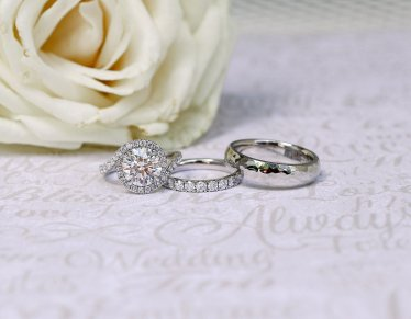 Anniversary Rings for the Sweetest Anniversary Gift