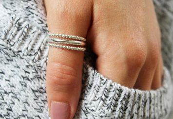 Are Thumb Rings a Thing of The Past? 10 Thumb Rings we Think Are Not!