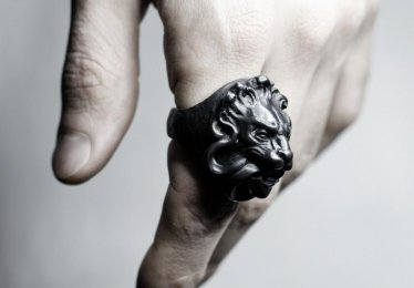 10 Lion Ring Options That Express Masculinity & Sexiness!
