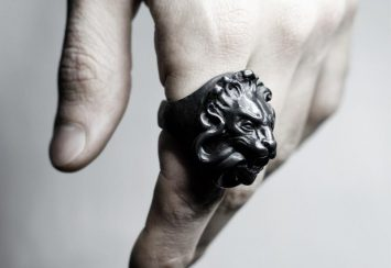 10 Lion Rings That Express Utter Masculinity & Sexiness!