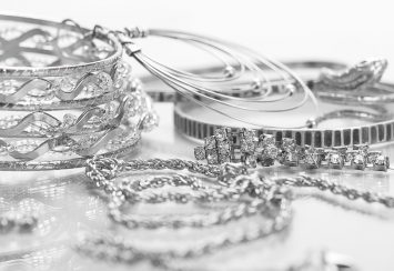 Silver Jewelry Cleaners That Work like Magic and Cost Just Some Bucks!