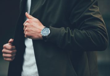 Super Elegant Black Watches for Men: Perfect All Occasion Gift!