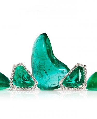 Emerald Meaning, Healing Properties & Prices