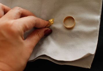 Make Your Old Jewelry shine again – Jewelry cleaning tips