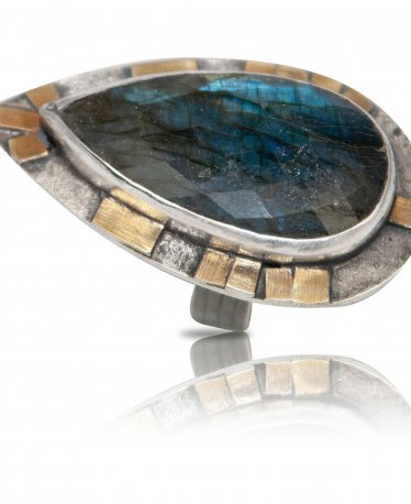A Labradorite Ring to Put on Your Shopping List. Now!