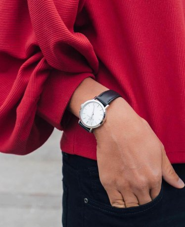 Check Out These Leather Watches for Women!