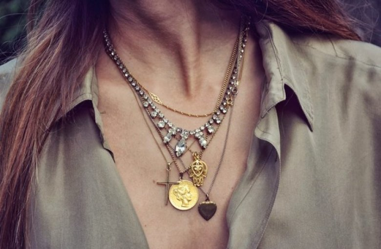 Mixing Silver and Gold Jewelry: How to Do it Right?